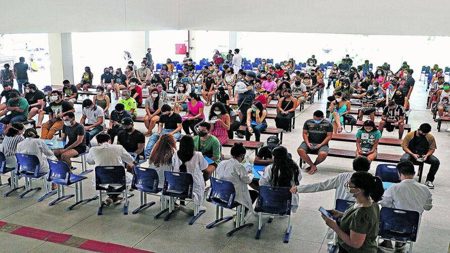 Imagem ilustrativa da notícia: Jovens com 18 anos completos serão vacinados hoje em Belém