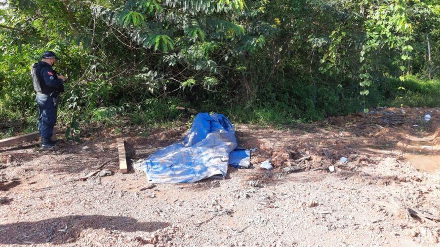 O corpo estava preso nas raízes no Rio Maguari.