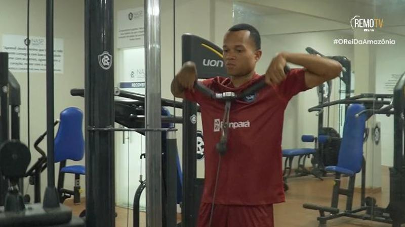 Legenda: volante Anderson Uchôa é uma das armas do Remo para o desafio contra o Cruzeiro, no Baenão.