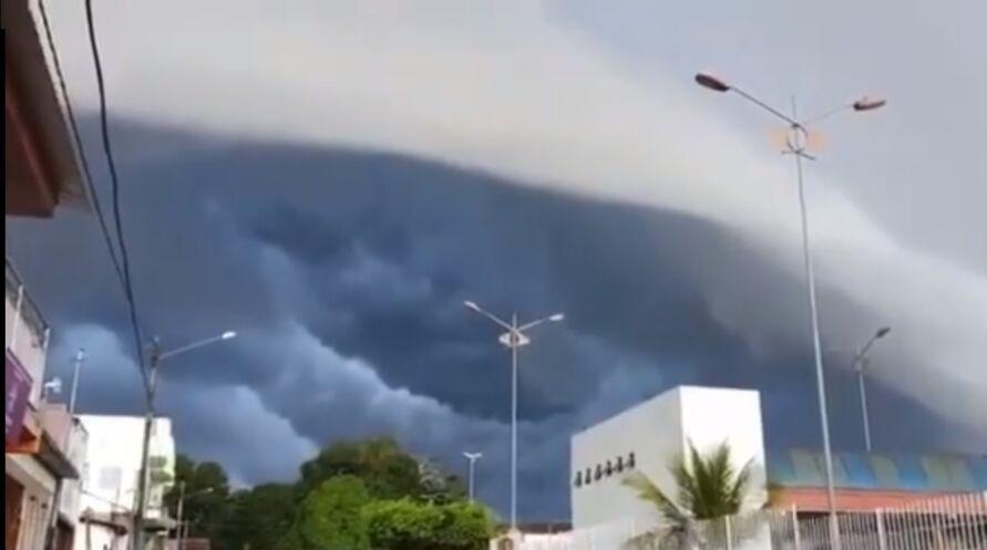 Fenômeno assustador foi registrado por paraenses na manhã desta quarta-feira (21)