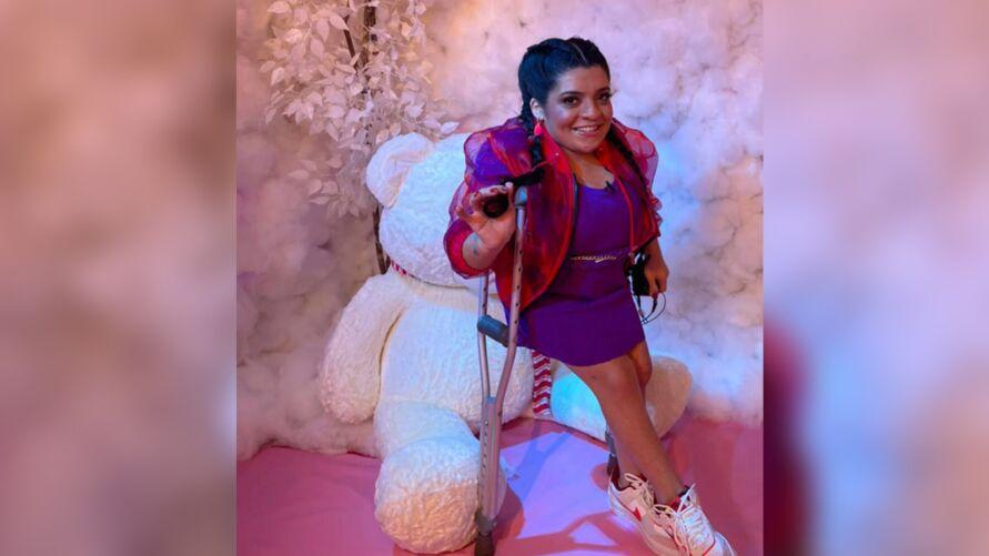 A Pequena Lô  estreou como co-apresentadora do novo programa de Luisa Sonza.