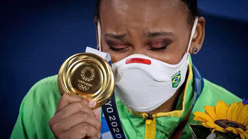 Rebeca Andrade conquistou a inédita medalha de ouro no salto