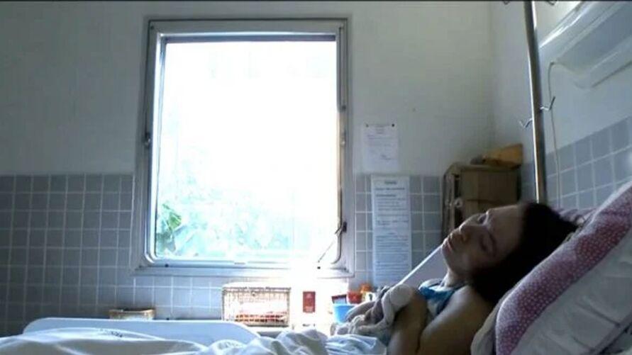 Mulher está internada, em estado vegetativo, desde 2000 depois que foi atropelada por um ônibus