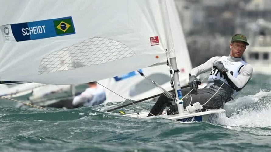 Robert Scheidt, durante regata da Laser masculina nas Olimpíadas de Tóquio