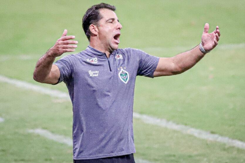 Após empate com o Paysandu, Manaus anuncia saída do técnico Marcelo Martellote.