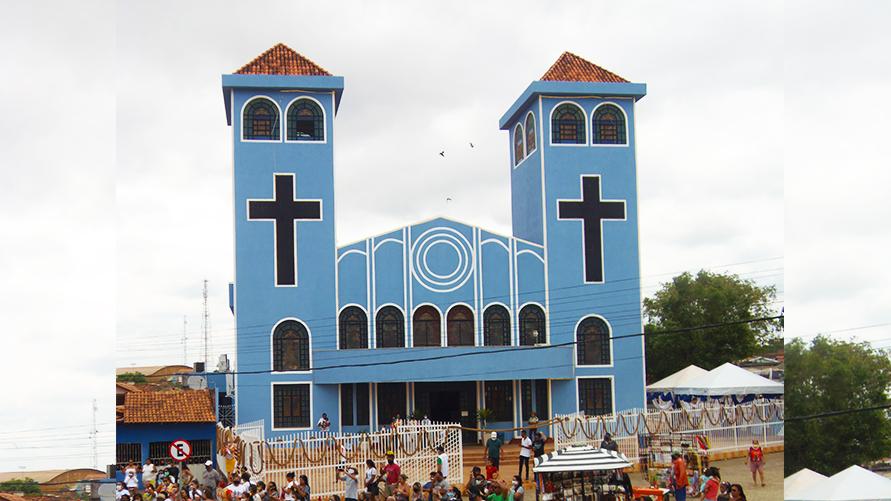A missa de transmissão vai acontecer ao vivo via live, diretamente do Santuário de Nossa Senhora de Nazaré