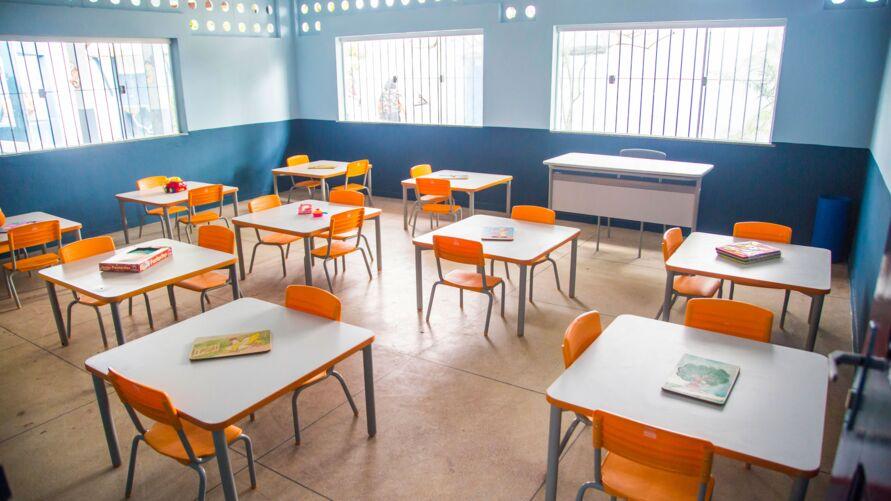 Os estudantes deverão comparecer às escolas em dias alternados