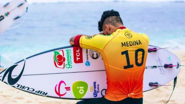 Medina bateu o brasileiro Felipe Toledo na final.