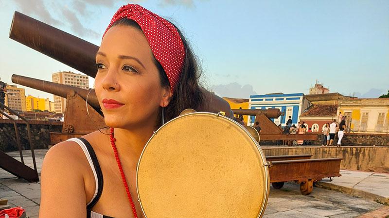 Carolina prepara live com grandes nomes do samba