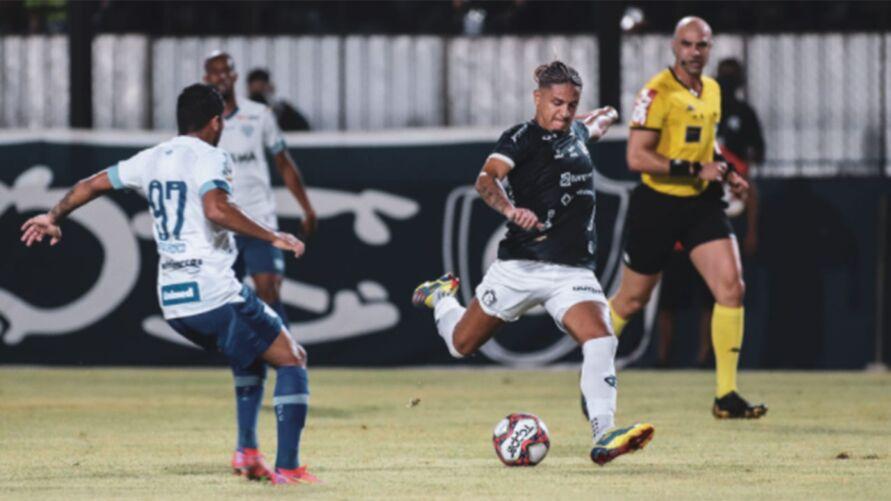Leão ainda não fala sobre renovação de contrato para 2022 no Baenão