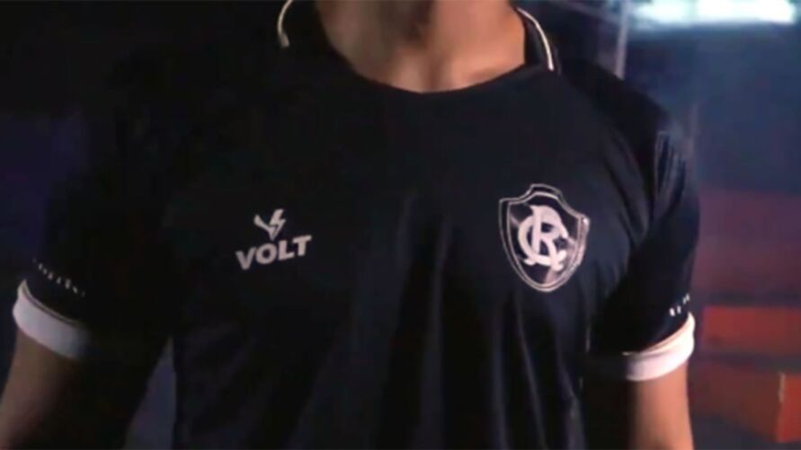 Camisa azulina será apresentada no dia da visita da Santinha ao Leão Azul