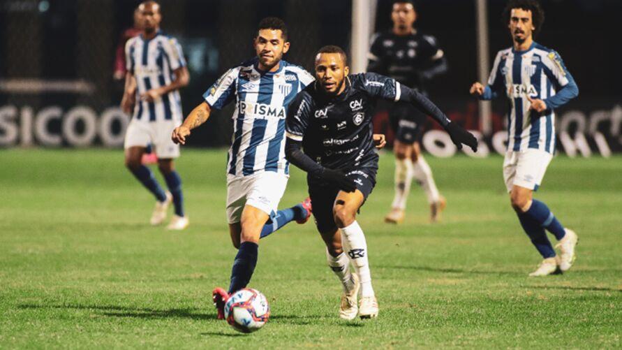 O Leão perdeu para o Avaí por 1 a 0 no primeiro turno