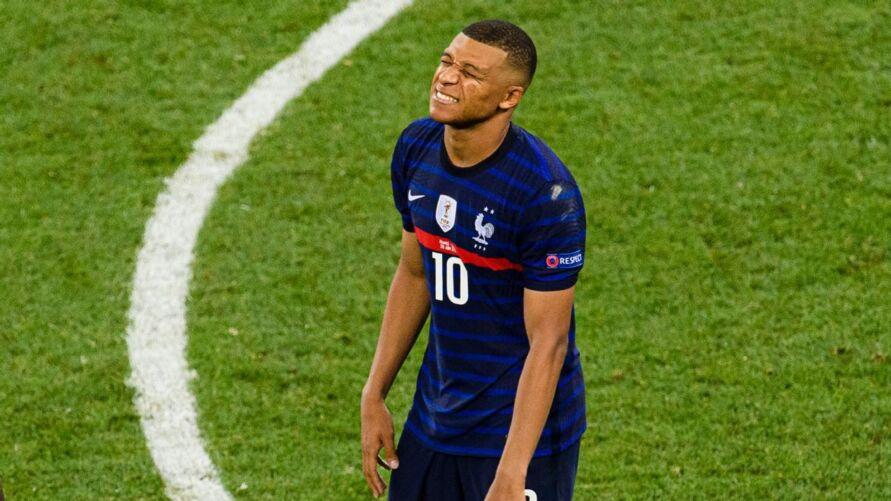 Real não quis pagar o suficiente por Mbappé, diz Leonardo.