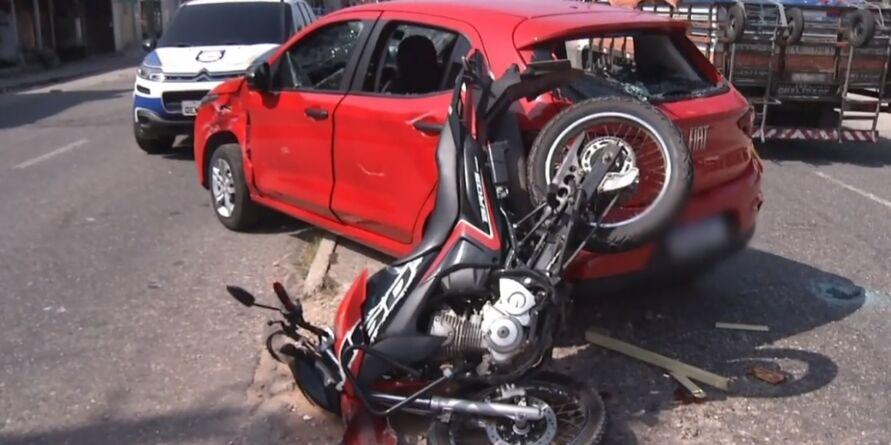 Imprudência causou a colisão na via
