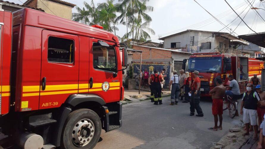 Imagem ilustrativa da notícia: Incêndio atinge residências em vila de Belém
