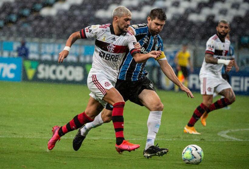 Partida entre Flamengo e Grêmio está entre os jogos desta quarta (15)