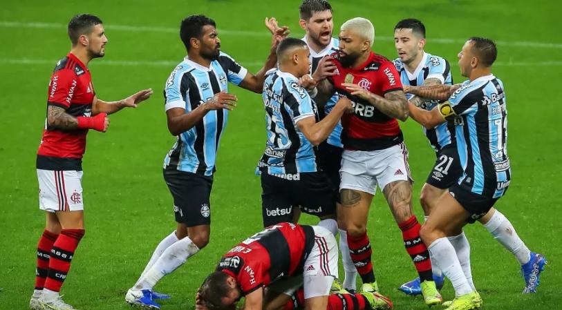 O Rubro-Negro venceu por 4 a 0 a primeira partida contra o tricolor gaúcho