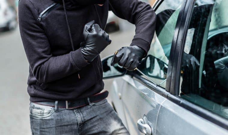 Imagem ilustrativa da notícia: Roubo fácil: veja os 10 carros mais procurados por ladrões