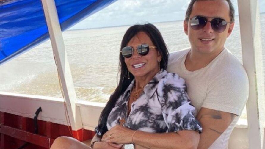 Gretchen ao lado do marido Esdras de Souza