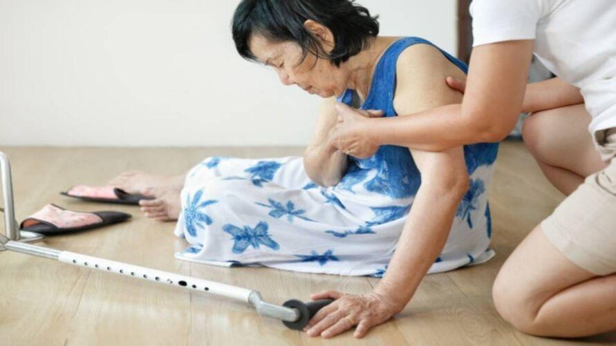 Imagem ilustrativa da notícia: Idade avançada pode aumentar risco de queda em casa