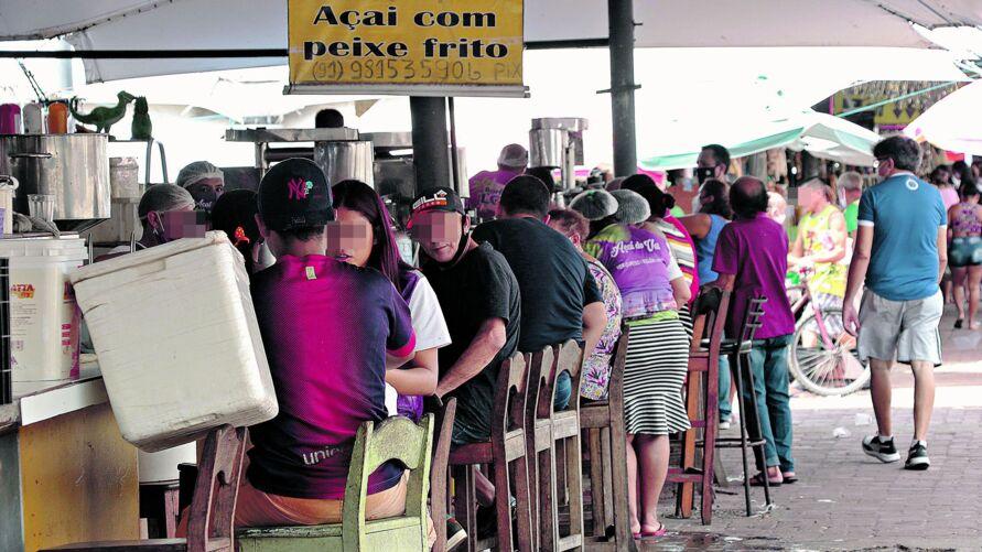 Vendedores do Ver-o-Peso lembram que o pescado vendido nas refeições do local vem de cativeiro, sem risco de doenças