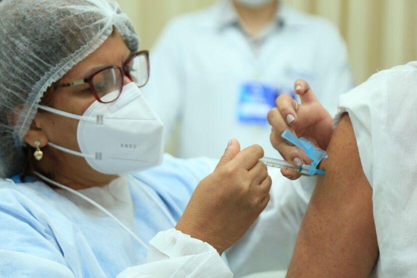 Imagem ilustrativa da notícia: Belém e Marituba: veja quem vacina nesta segunda-feira