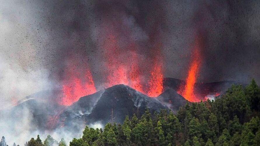 Vulcão já deixa rastro de destruição nas Ilhas Canárias.