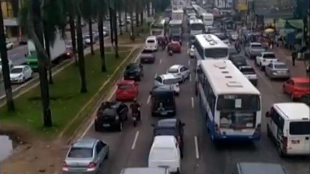 Os motoristas que precisam trafegar pela rodovia BR-316, sentido Belém, devem estar prontos para enfrentar pontos de lentidão no trânsito.