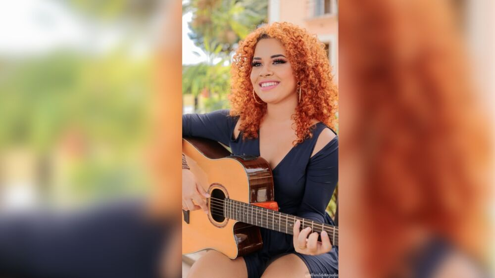 A cantora Melyssa Albuquerque.