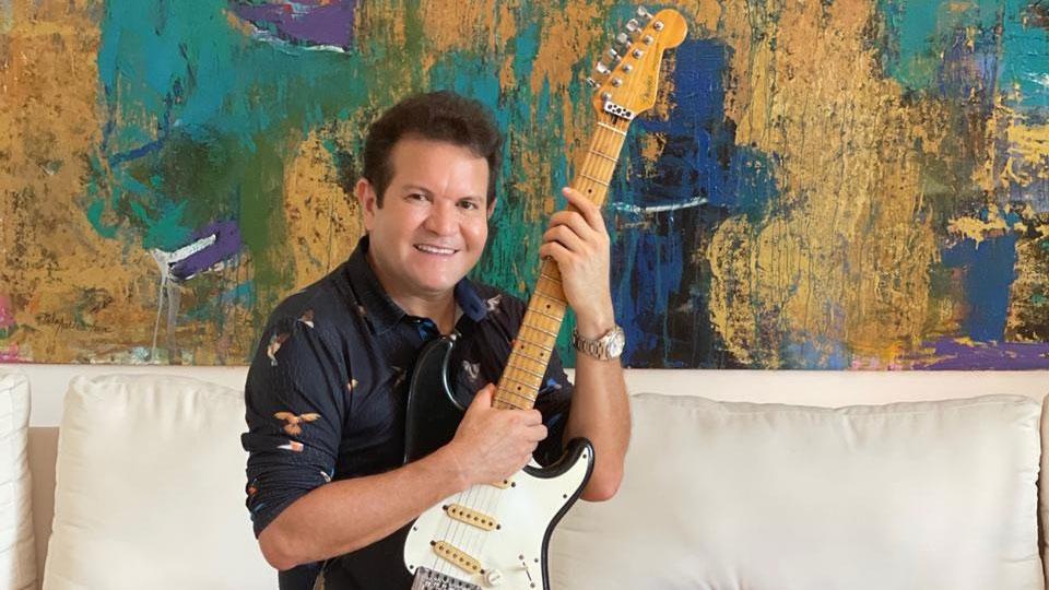 """A canção faz parte do projeto """"Guitarras que Cantam"""", sendo uma guitarrada de autoria de Ximbinha e do seu compadre Jhon Cabano"""