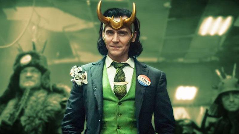Tom Hiddleston volta a interpretar o personagem que foi sucesso no cinema