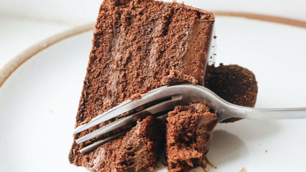 É possível manter o sabor original do bolo mesmo depois de um ano congelado