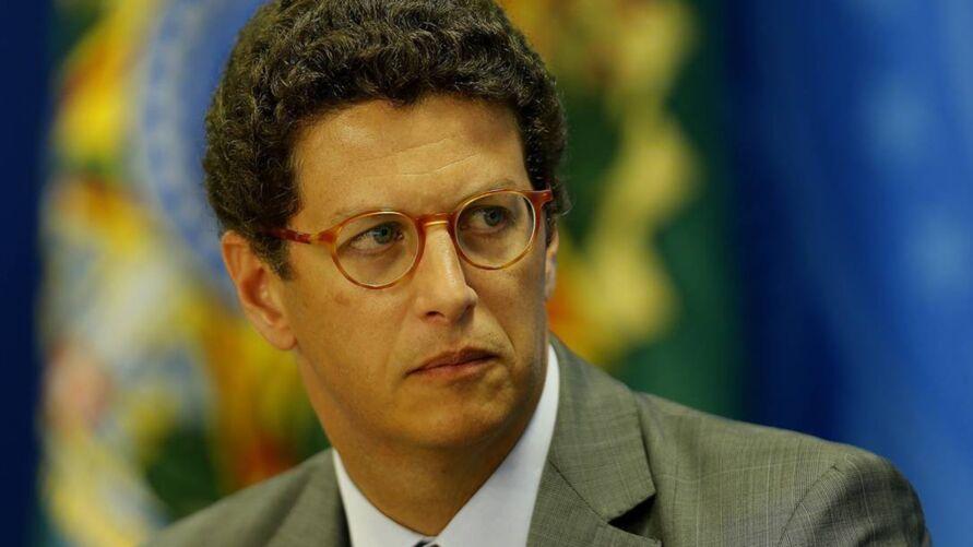 Imagem ilustrativa da notícia: Ricardo Salles pede demissão e deixa Meio Ambiente