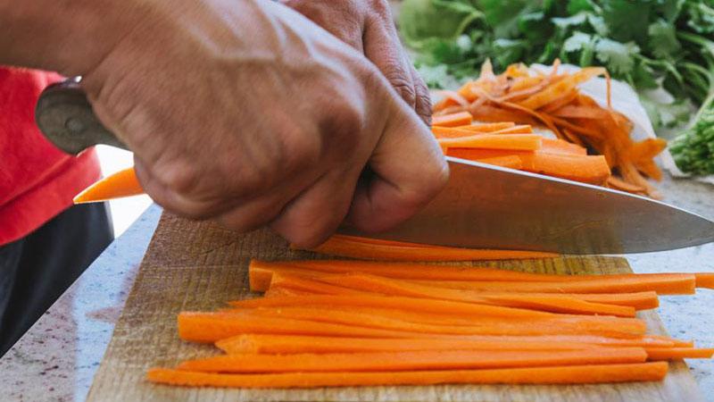 Cortes feitos por chefs em restaurantes podem ser feitos em casa