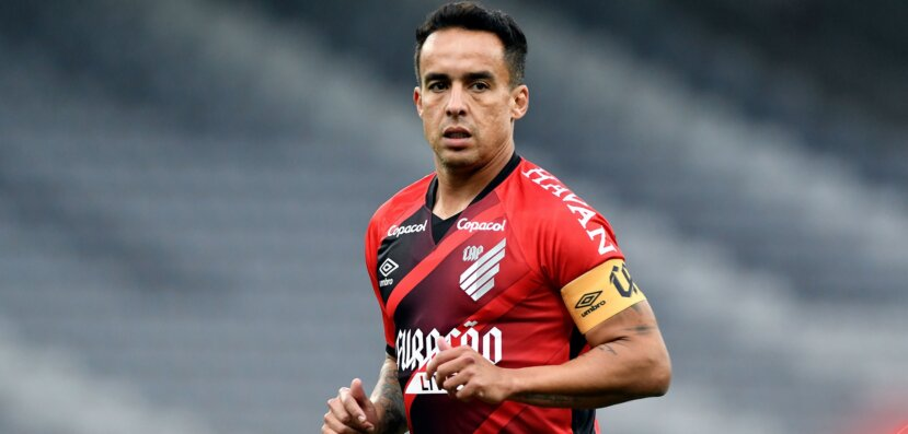 Experiente Jádson não estaria nos planos do Athletico PR para a sequência da temporada.