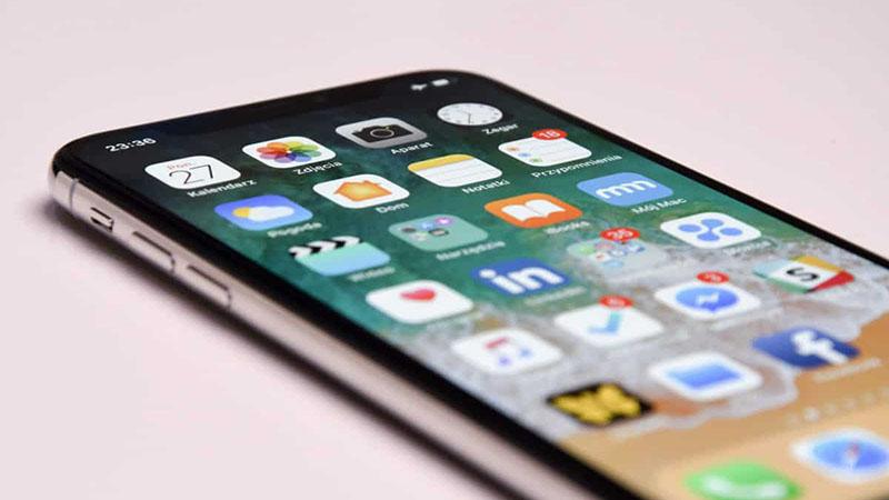 """""""Texto ao vivo"""", recurso nativo da câmera, oferece e traduções e compartilhamentos de textos reconhecidos pela câmera do iPhone"""