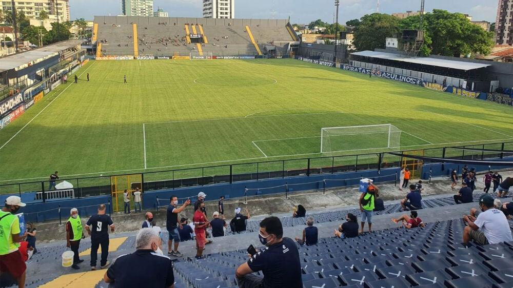 Torcedor do Clube do Remo já marca presença no estádio Baenão.