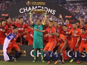 Nos pênaltis, Chile vence a Argentina e levanta a taça da Copa América
