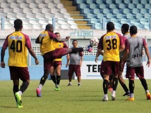 Paysandu treina na Curuzu para estreia de returno em Belém