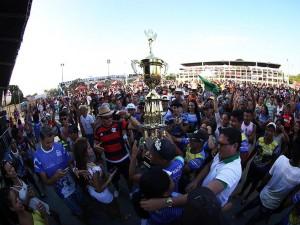 Tucuxi vence o Festival dos Botos do Çairé 2016