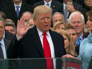 Donald Trump toma posse como presidente dos EUA