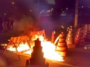 Brasil amanhece com manifestações e sem transporte