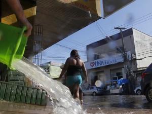 Chuva causa estragos em Belém