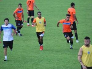 Dado comanda treino antes do jogo contra o Bahia