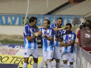 Paysandu vence o Bahia por 2 a 1, no Mangueirão