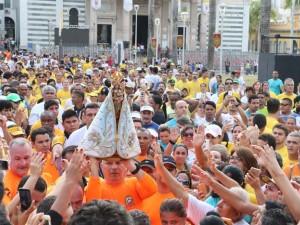 Romaria dos Corredores reúne multidão de fiéis
