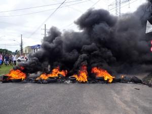 Protesto contra abandono em Ananindeua