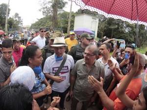 Manifestantes invadem aterro sanitário da Revita, em Marituba