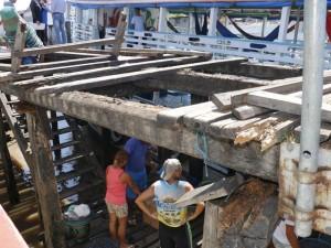 Obra inacabada e riscos de acidentes em porto de Belém