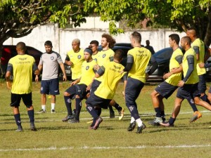 Clube do Remo treina na Base Naval